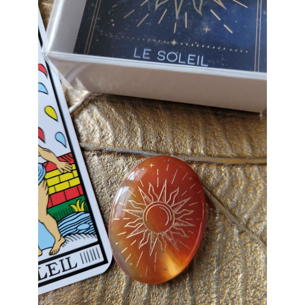 "Galet Cornaline - arcane tarot ""Le Soleil"""